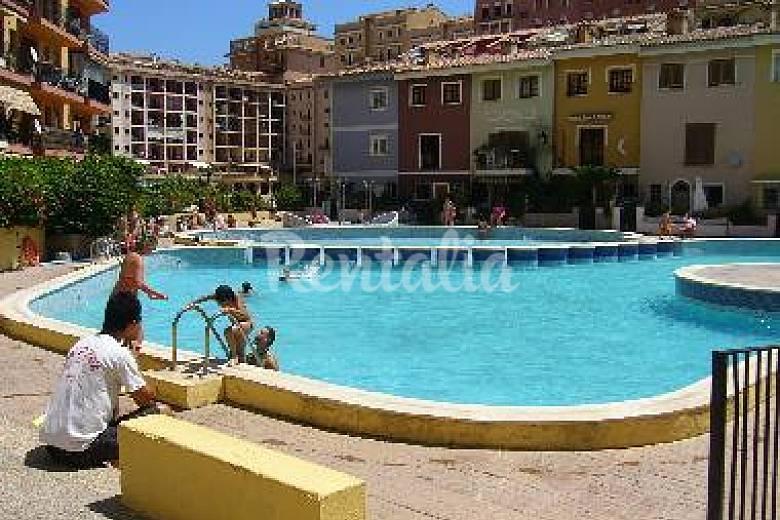 Apartamento de 3 habitaciones en 1a l nea de playa port for Piscinas publicas valencia