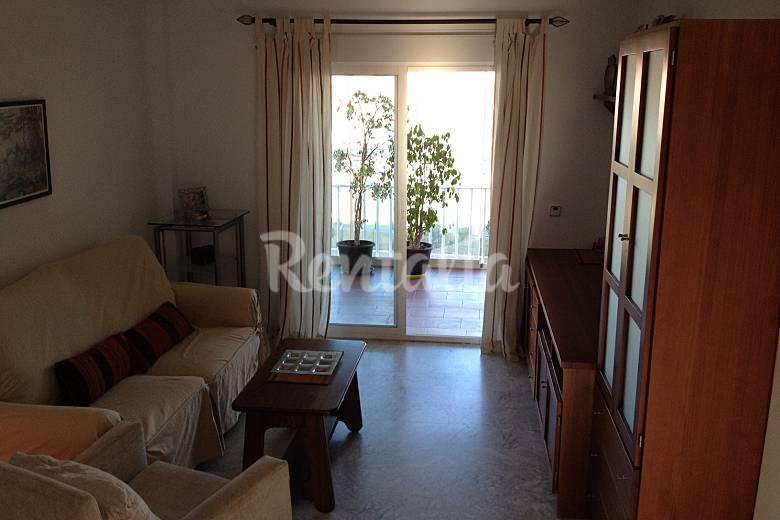 Apartamento de 2 habitaciones a 500 m de la playa - Cortinas fuengirola ...