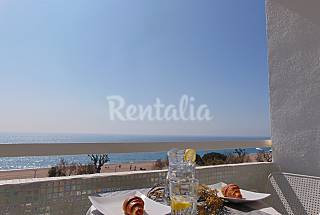 Beachfront apartment perfect for couples Barcelona