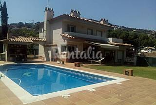Belle maison avec grand jardin et une gran piscine Gérone