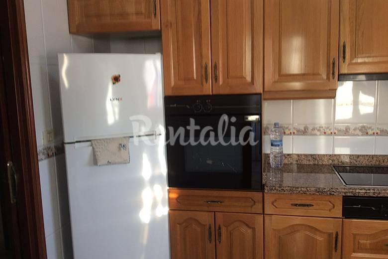 Apartamento de 2 habitaciones a 2 km de la playa grao for Cocinas castellon precios