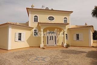 Villa with 4 bedrooms 5 km from the beach Algarve-Faro