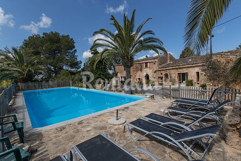 Eighteenth century house with a large pool Majorca