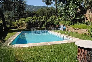 Villa en alquiler con piscina en Pantano del Burguillo Ávila