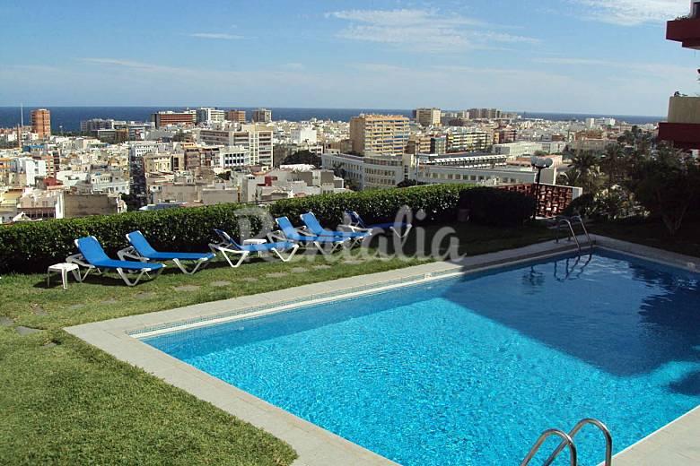Appartamento con piscina e vista sulla citt las palmas for Piscina las palmas
