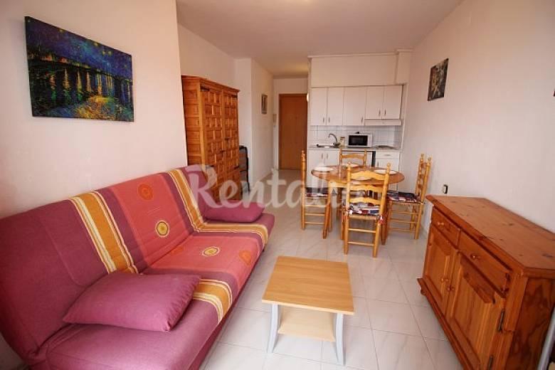 Sala De Estar Em Espanhol ~ Apartamento para alugar em Castelló dEmpúries  Empuriabrava