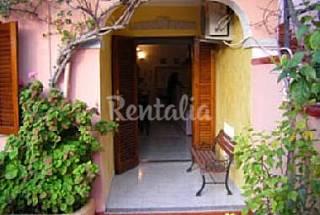 Casa en alquiler a 900 m de la playa Olbia-Tempio