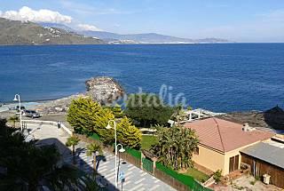 Apartamento de 2 habitaciones a 50 m de la playa Granada