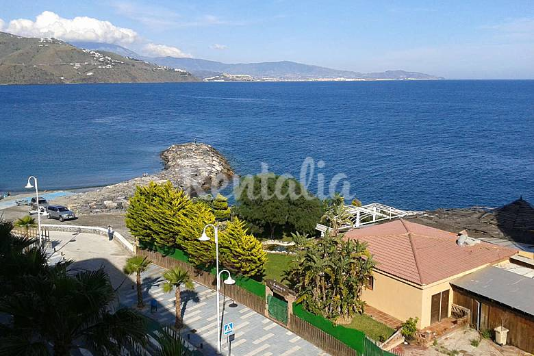 Apartment with 2 bedrooms only 50 meters from the beach Granada