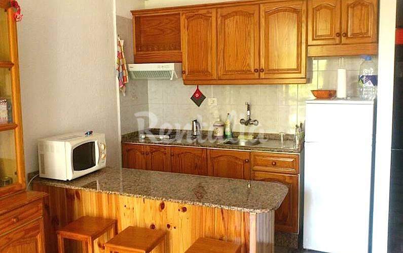 Apartamento para 4 personas en tenerife playa de las for Mesa cocina tenerife