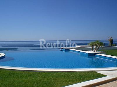 Luxury villa with breathtaking pool over the ocean Algarve-Faro