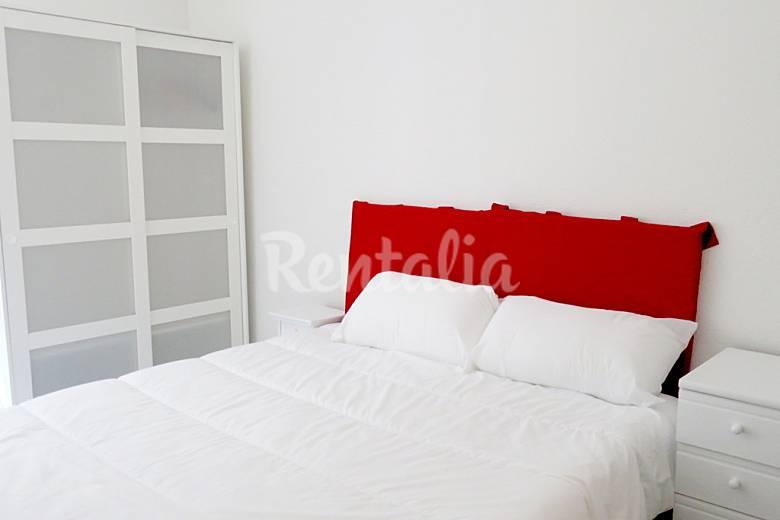 Apartamento de 2 habitaciones en santander centro for Habitaciones familiares santander