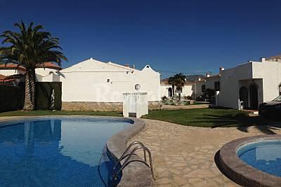 Bungalows Alhambra para alugar com piscina  Tarragona