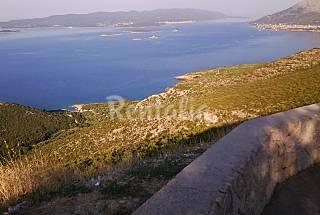 Villa de 4 habitaciones en 1a línea de playa Dubrovnik-Neretva
