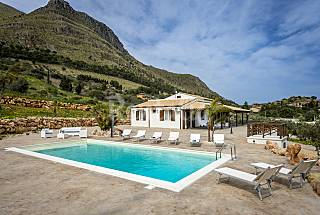 Villa Maremonti only 4 km away from the beach Trapani