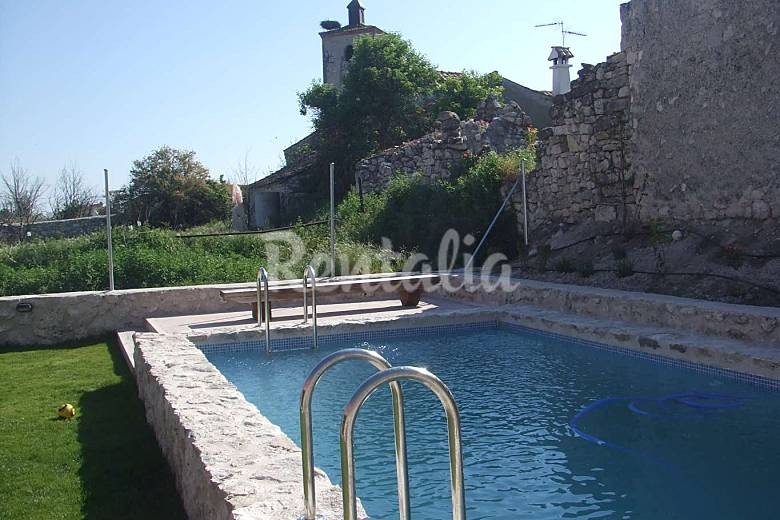 Casa de 4 habitaciones con piscina adrados segovia - Piscina climatizada segovia ...