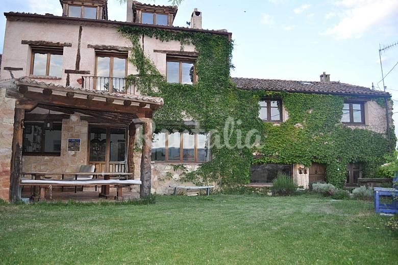 La casa del herrero requijada santiuste de pedraza - Casas rurales e ...