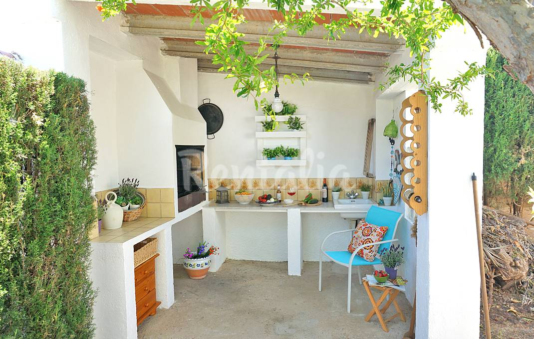 Casas con jard n y barbacoa para una escapada rural en - Ver jardines de casas ...