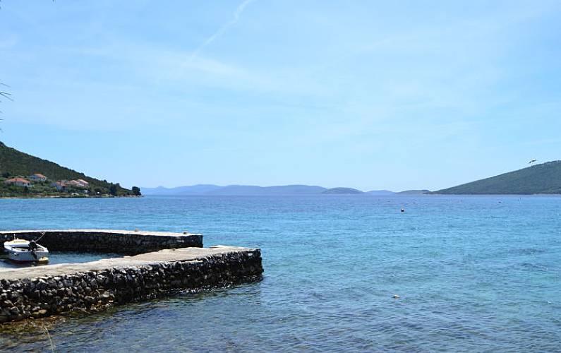 Casa in affitto a 50 m dalla spiaggia mulat islandd see for Piani di casa sulla spiaggia su palafitte