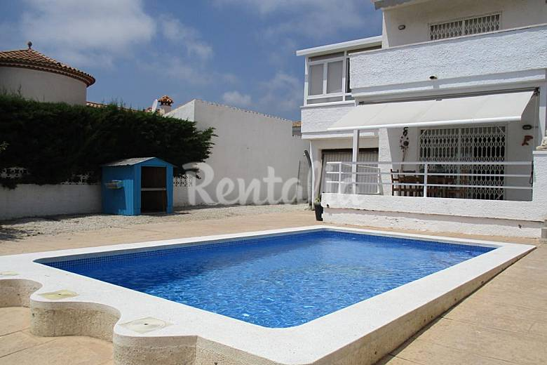 Casa en alquiler a 600 m de la playa miami playa mont - Alquiler casas vacacionales costa dorada ...