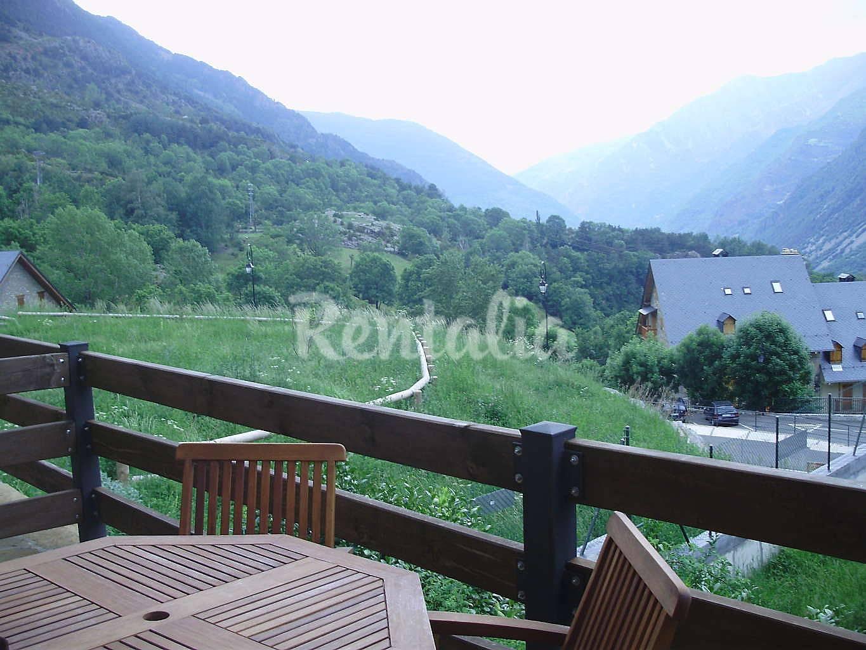 Apartamento para 4 5 personas boi taull boi la vall de bo lleida l rida pirineos espa oles - Apartamentos boi taull resort ...