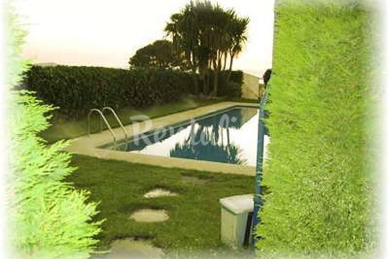 14 apartamentos en alquiler con piscina sanxenxo for Apartamentos vacacionales con piscina