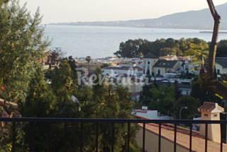 Apartamento Playa a 8 minutos a pie Vistas mar.        Málaga