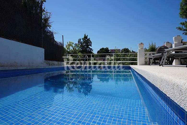 Apartamento con picina privada wifi y parking sitges for Piscina publica barcelona