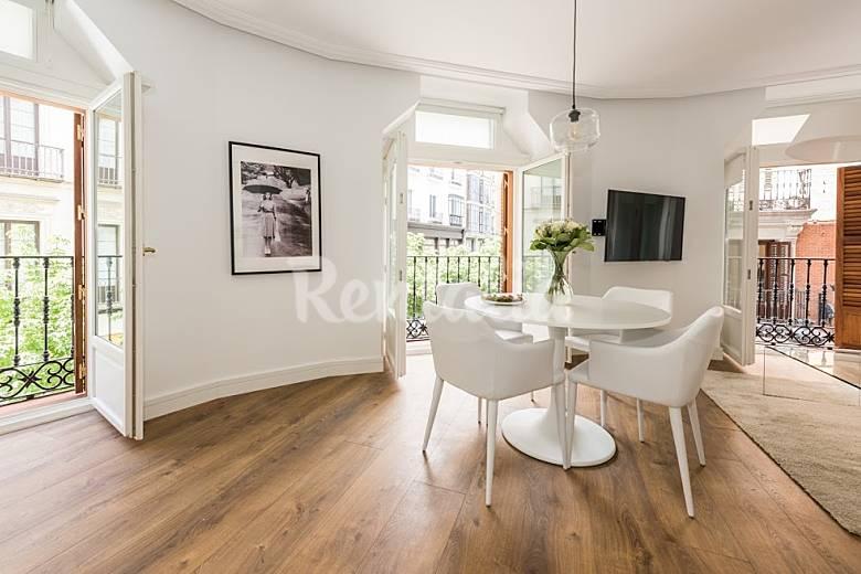 Apartamento en alquiler en madrid centro madrid madrid for Licencia apartamento turistico madrid