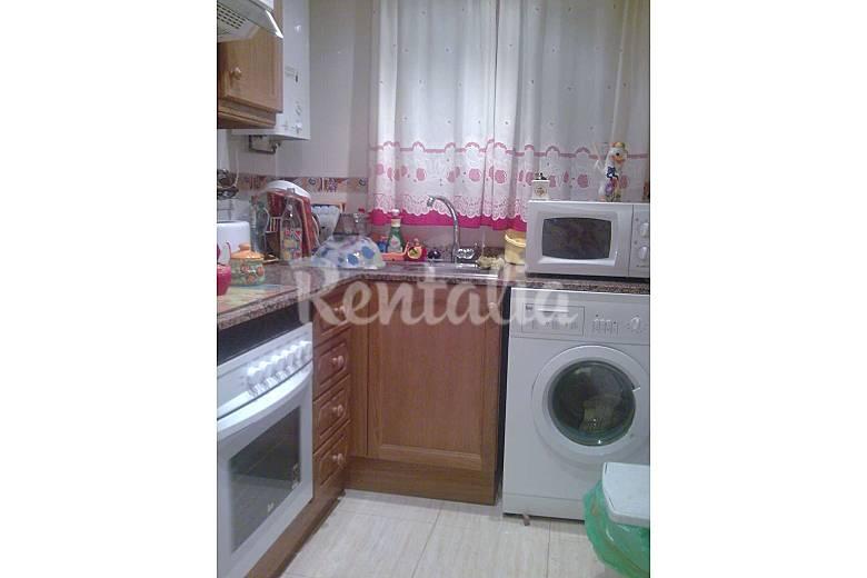Apartamento para 4 7 personas a 300 m de la playa marina for Cocinas castellon precios