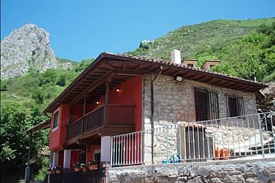 Casa Rural. Casa Rufina (A 15 Km Cangas de Onís). Asturias