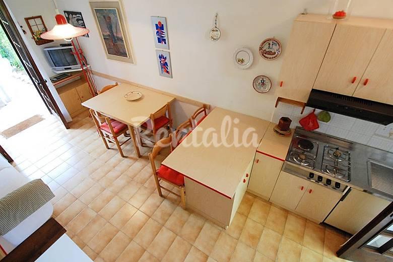 Dormitorio Udine ~ Apartamento para 6 personas en Friuli Venecia Julia Lignano Sabbiadoro (Udine) Alpes italianos