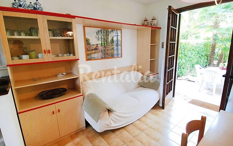 Dormitorio Udine ~ Apartamento para 6 personas en Lignano Sabbiadoro Lignano Sabbiadoro (Udine) Alpes italianos