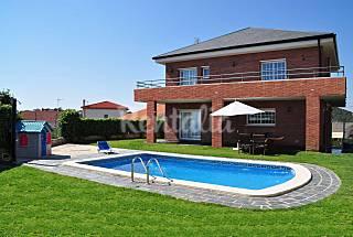 Casa montaña vistas al mar piscina privada Tarragona