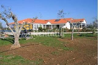 Economic villa with swimming pool Portalegre