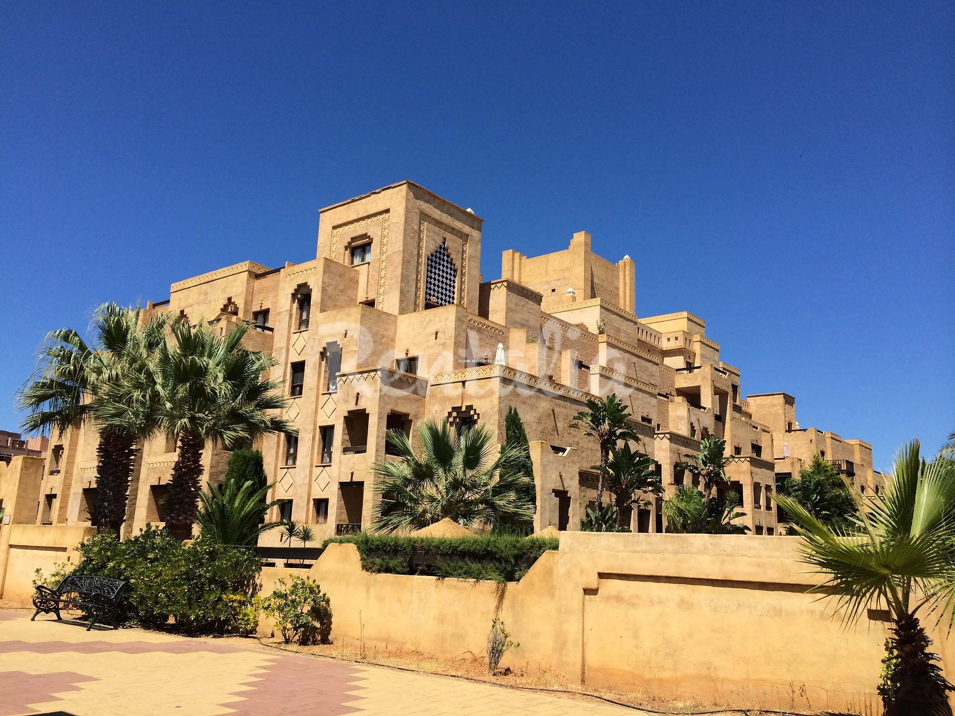 Apartamento en alquiler a 100 m de la playa isla de for Jardines isla canela