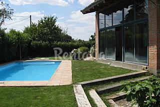 Alquiler vacaciones apartamentos y casas rurales en guadalajara castilla la mancha - Casa rural con piscina cubierta ...