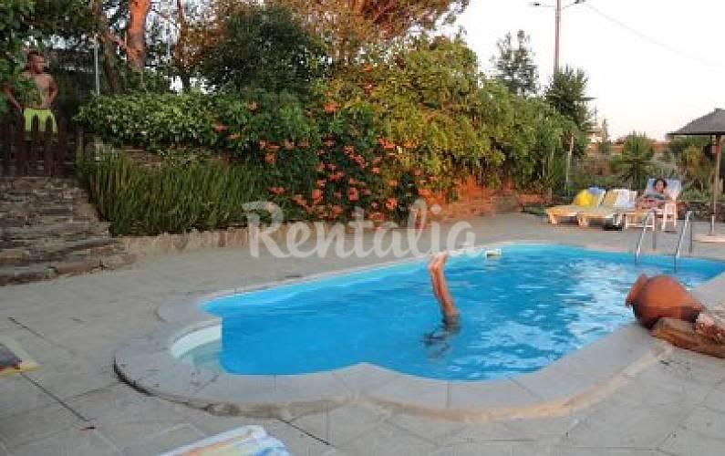 Casa para 4 7 personas con piscina s o barnab for Casa rural para 15 personas con piscina
