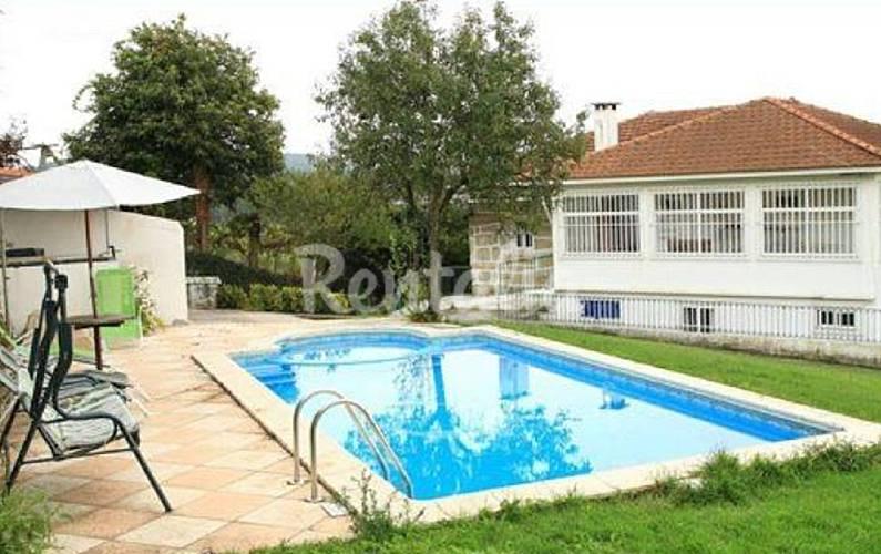 Casa en alquiler con piscina balazar p voa de varzim for Piscinas oporto