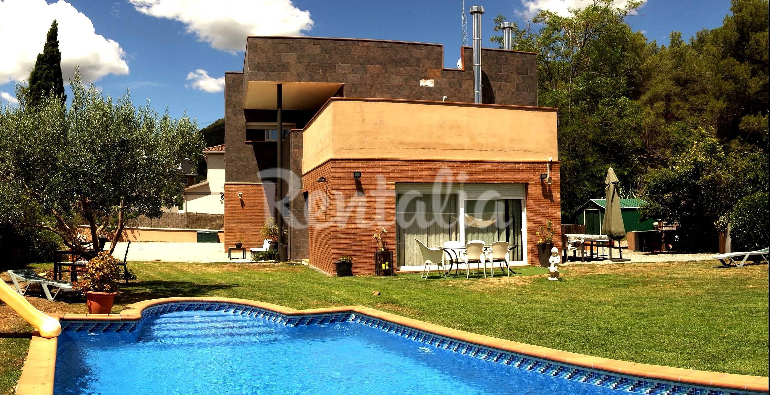 Alquiler vacaciones apartamentos y casas rurales en barcelona catalu a - Casas rurales bcn ...