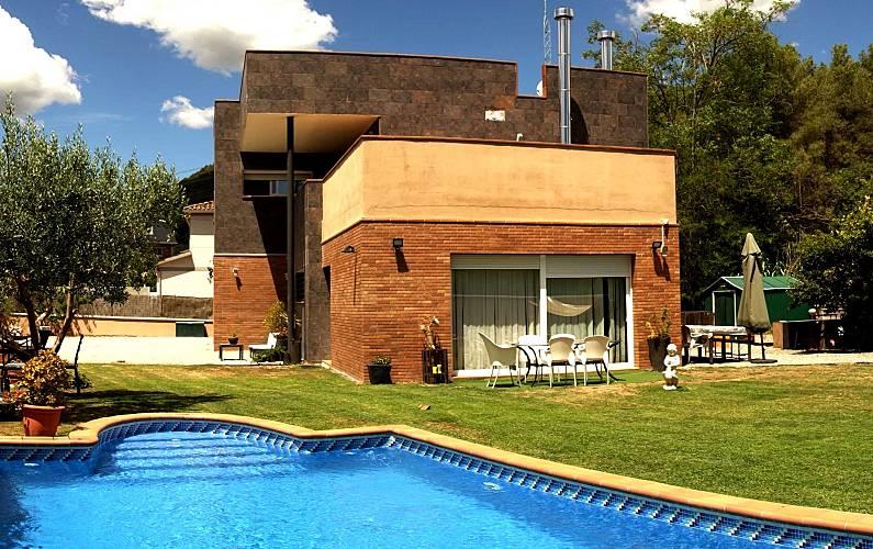 Villa pour 10 16 personnes avec piscine can vinyals for Villa barcelone avec piscine