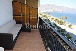 Apartamento para 2-4 personas en 1a línea de playa Granada