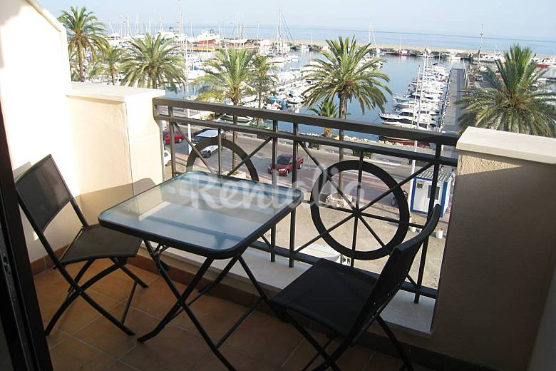 6 Apartments for 2-24 people only 100 meters from the beach Málaga