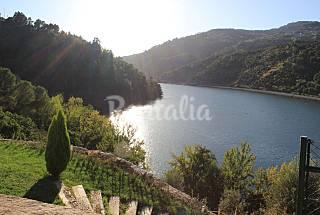 Quinta sobre o Rio Douro