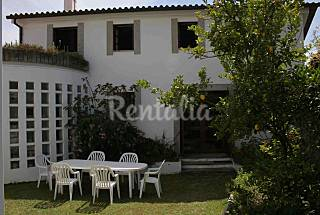Villa for rent 2.5 km from the beach Braga