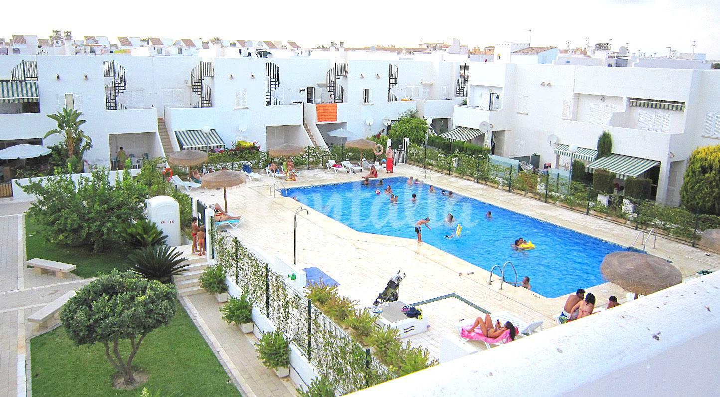 Apartamento con piscina en vera playa vera playa vera for Piscinas almeria