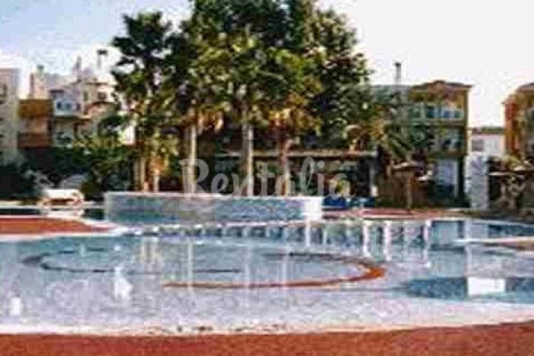 Apartamento de 2 plantas con piscina 9 personas oliva for Apartamentos con piscina en valencia