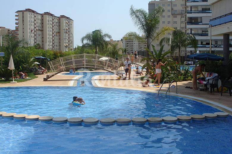 El eden apartamento de lujo con internet grau i platja for Piscinas publicas valencia