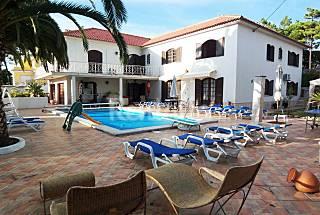 Bonito Chalet con piscina climatizada, 10 adultos Lisboa