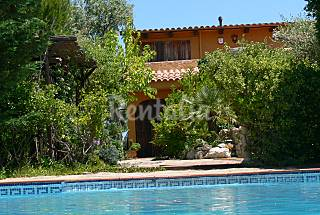 Casa acogedora con piscina privada, 15 min. playa Tarragona